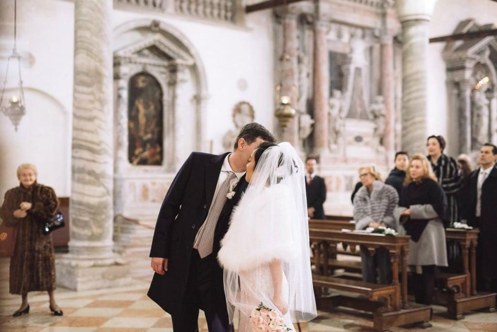 bacio sposi venezia