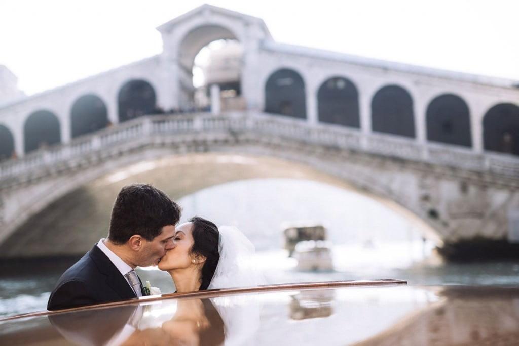 bacio sposi ponte rialto