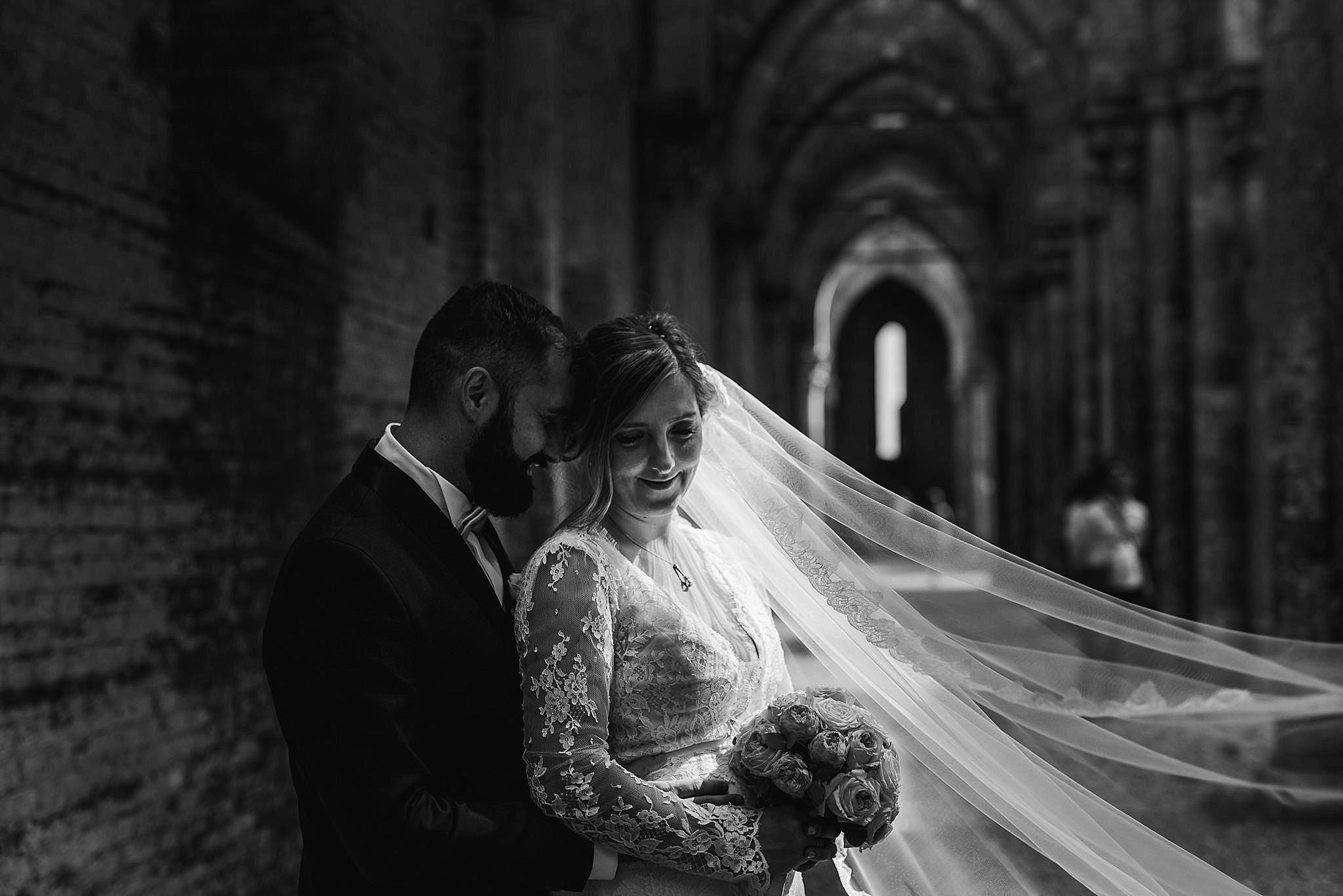 Matrimonio A Toscana : Matrimonio a san galgano toscana enrico eleonora